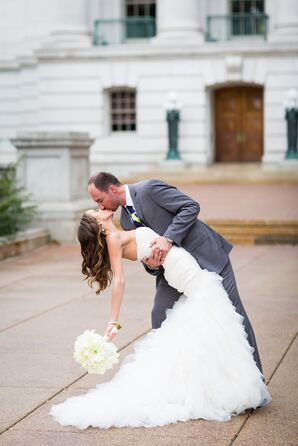 Elle and James Kiss in Madison, Wisconsin