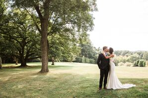 Couple Kiss at Greenville Country Club