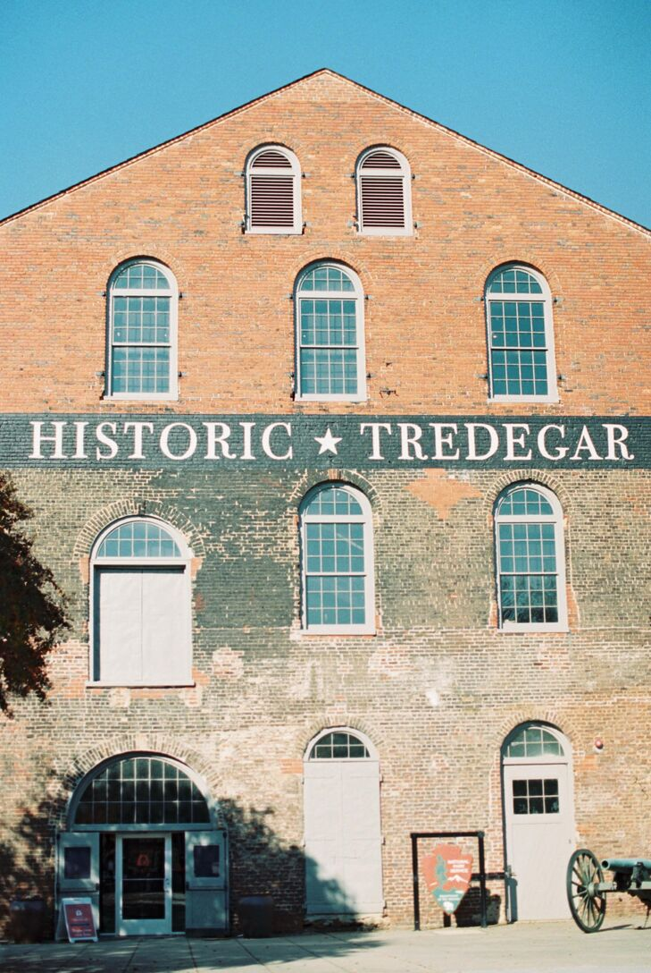 Alexandria and Jon chose Historic Tredegar as their winter wedding venue. The building once housed Tredegar Iron Works, which used to be one of the largest manufacturers of iron in the United States.