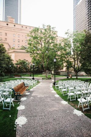 Intimate Outdoor Ceremony Setting