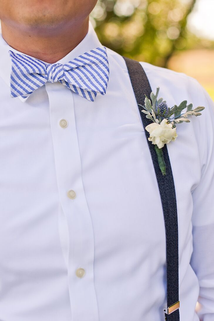 Tom gave each of his groomsmen suspenders and bow ties, along with DIY boutonnieres crafted by the bride herself.