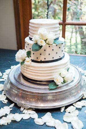 Elegant Black-and-White Wedding Cake