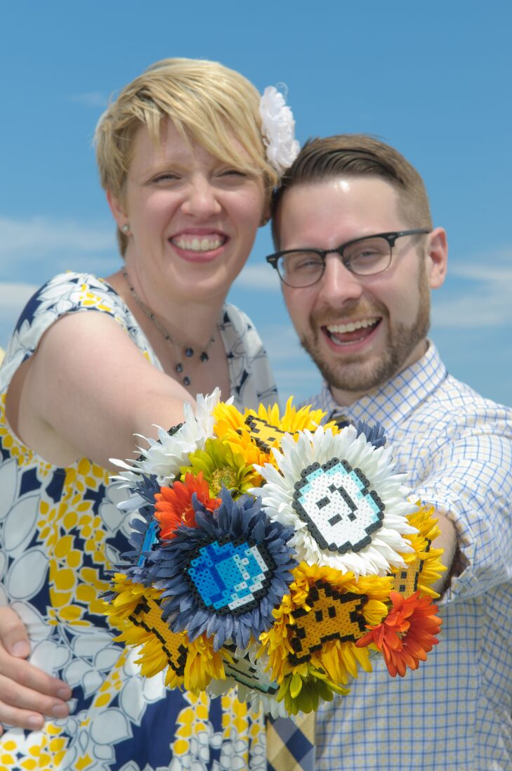 Jen designed the bouquet based on her favorite games, and used fabric flowers in lieu of fresh flowers for preservation.