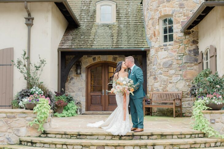 Couple Shares Kiss During First Look at Maryland Private Estate