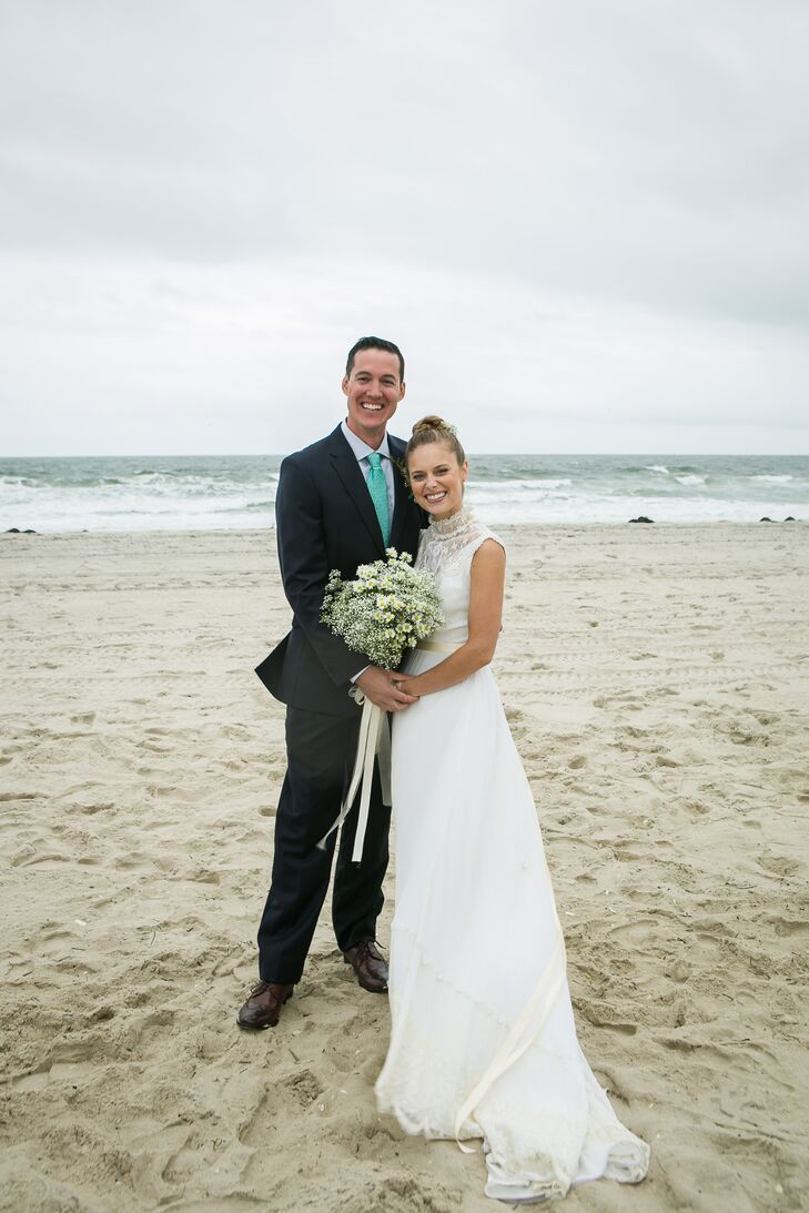 Julie Reymann (26, Talent Development Professional) and Ken Buchholz (30, Restaurant Owner) lived an entire summer on the same block near the beach be