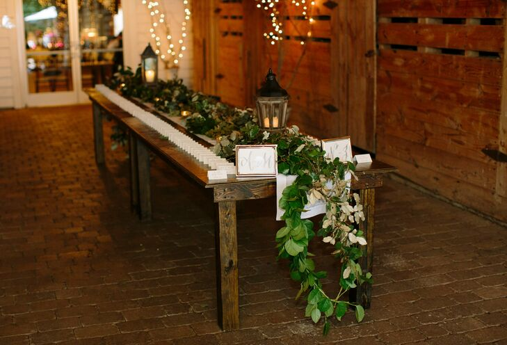 Casey and Clay worked to achieve an elegant feel within their rustic barn setting while still showcasing their personalities.rn