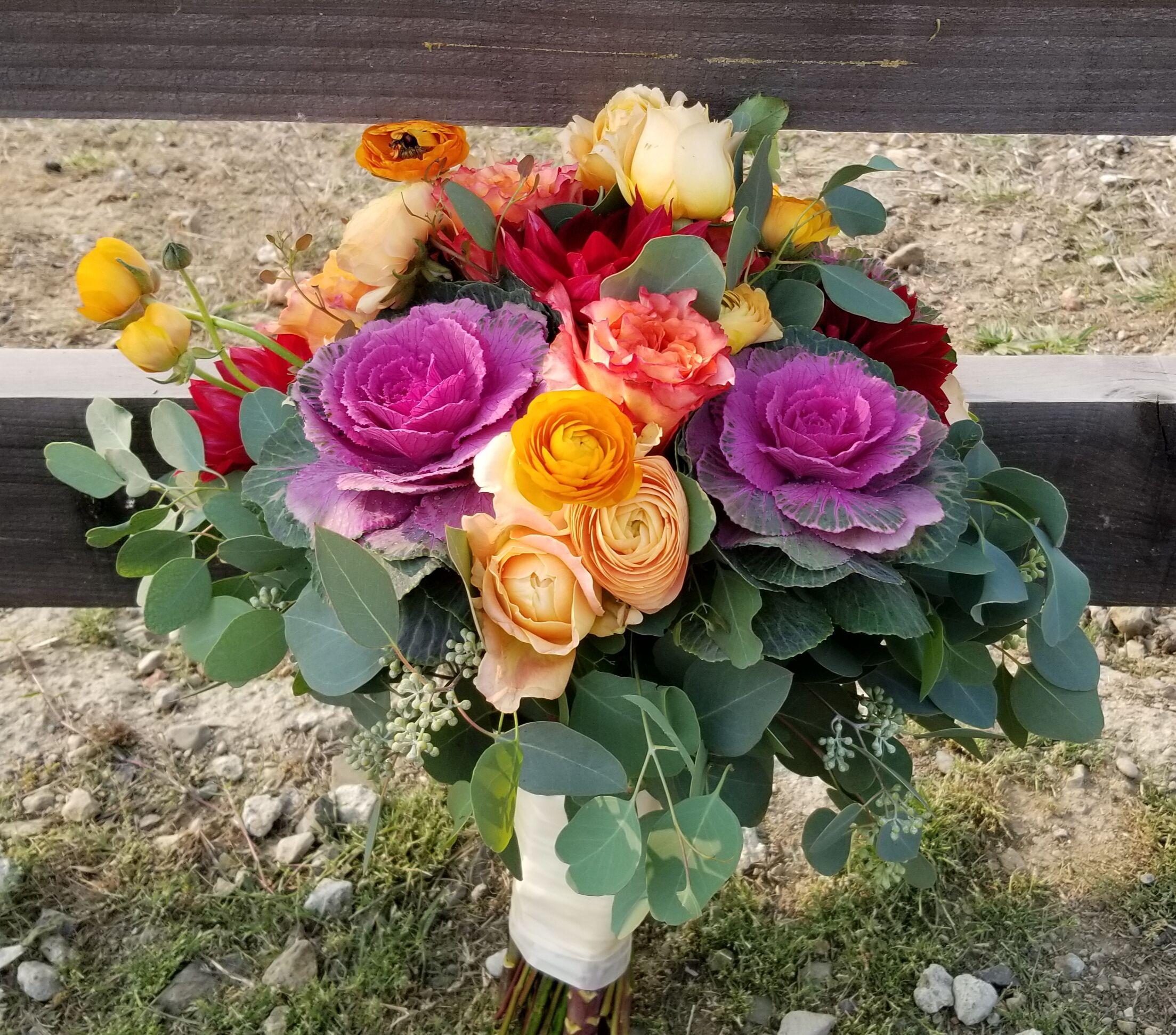 Wedding Flowers Reviews: Petal Town Flowers ~ Wine Country Weddings