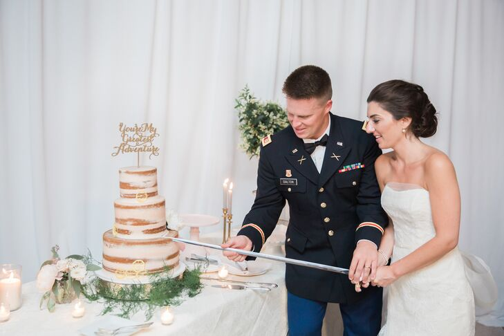After dinner, Alexandra and Thomas treated their guests to a spread of desserts. Honey lemon cake with blood orange Italian buttercream and hummingbird cake with cream cheese frosting gave guests their wedding cake fix, while miniature pies and root beer float shooters were also offered.
