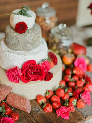 Modern Cheese Cake with Red Flowers