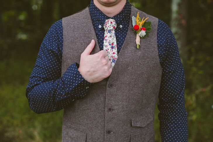 """Chris told me he wanted to look like Nucky Thompson from 'Boardwalk Empire,' "" Jessica says. ""But I told him that was from a completely different decade, so we compromised."" Chris donned a wool vest, a blue polka-dot shirt and a floral tie."