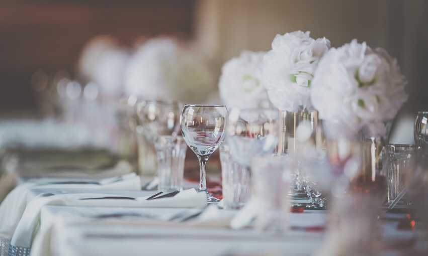 White party themed inspiration and ideas