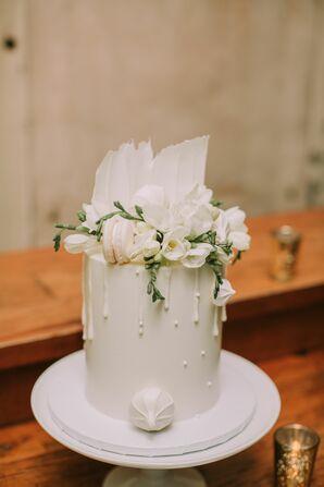 White Single-Tier Fondant Cake