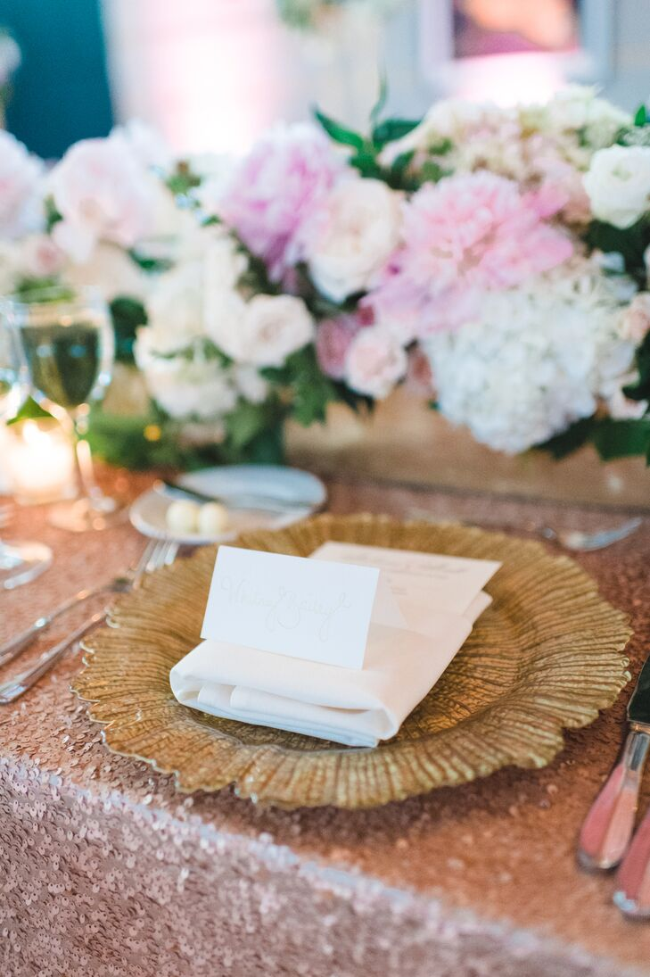 Gold Sponge Charger With Ivory Stationery
