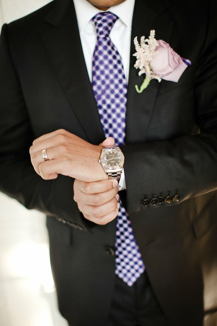 Darshan wore a pink rose on his lapel for the reception.