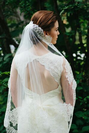 Keyhole-Back Lace Wedding Dress