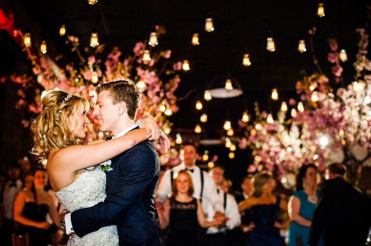 Hayley Miskiewicz (29 and an attorney) and Jared Newman (29 and an attorney) planned a romantic, glamorous affair at The Libery Warehouse in Brooklyn,