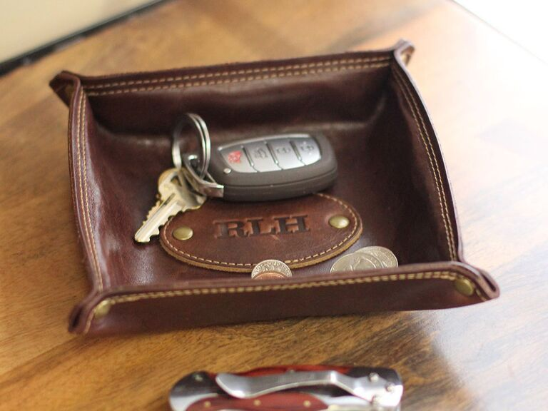 Personalized valet tray for best man