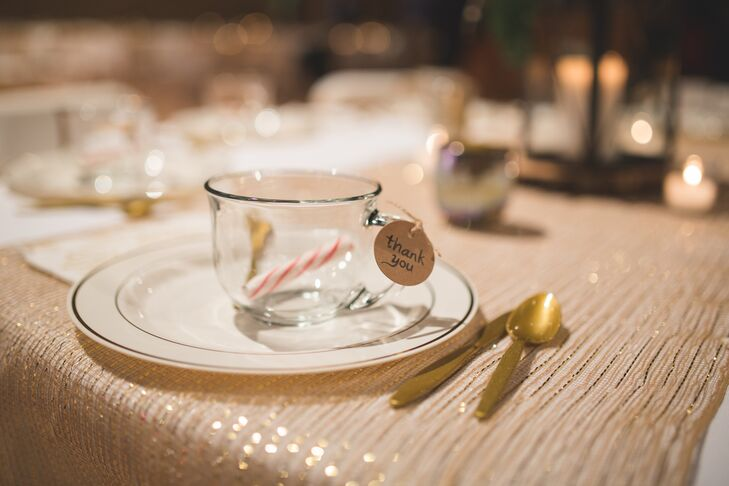 Elizabeth and Mason gave all of their guests glass teacups in which they were able to enjoy the delicious hot-chocolate bar.