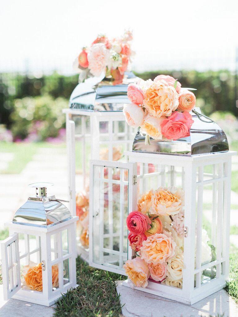 Flower arrangements for a summer wedding