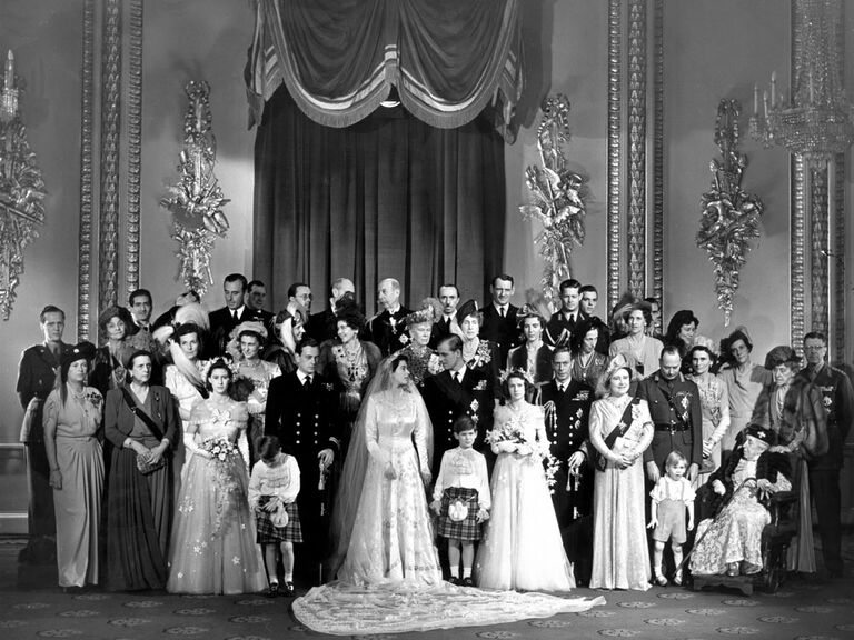 Queen Elizabeth wedding picture with family members and British dignitaries