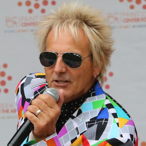 New Baltimore, MI Rod Stewart Impersonator | Donnie's Solo Singing Show