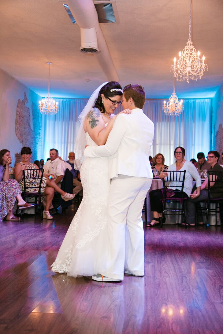 """Gloria and Jill shared their first dance to """"She Keeps Me Warm"""" by Mary Lambert. """"The song couldn't have been more perfect,"""" Jill says."""