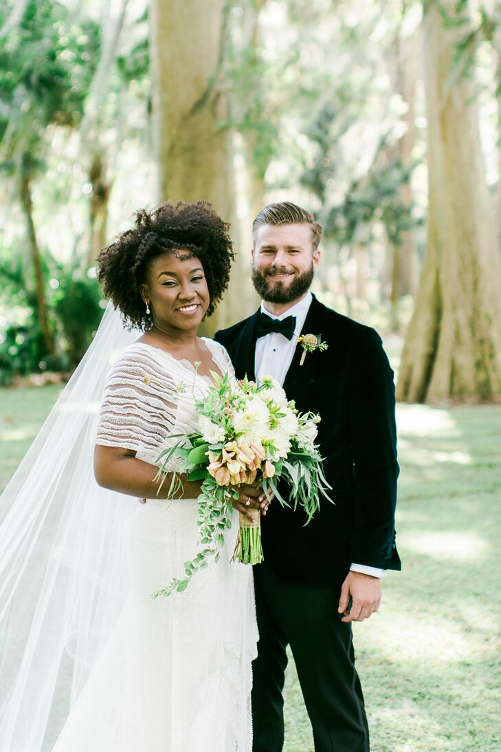 Nicole Paul (28 and an architectural designer) and Zachary (Zach) Popovich (27 and an e-commerce director) highlighted the beauty of their wooded venu
