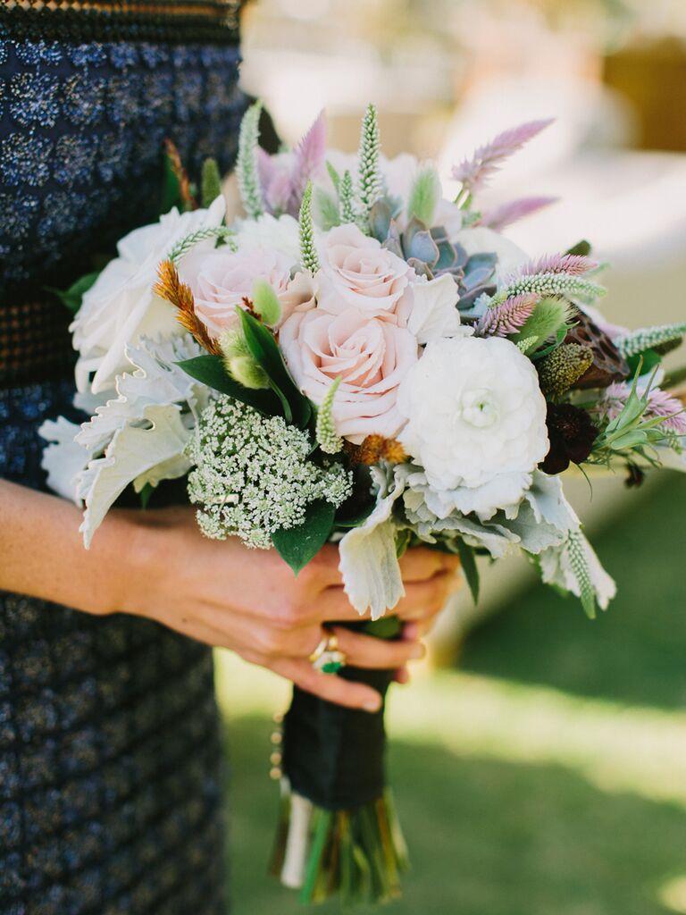 Pasel bridesmaid bouquet for a fall wedding