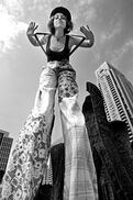 Chicago, IL Stilt Walker | Ellen DeSitter