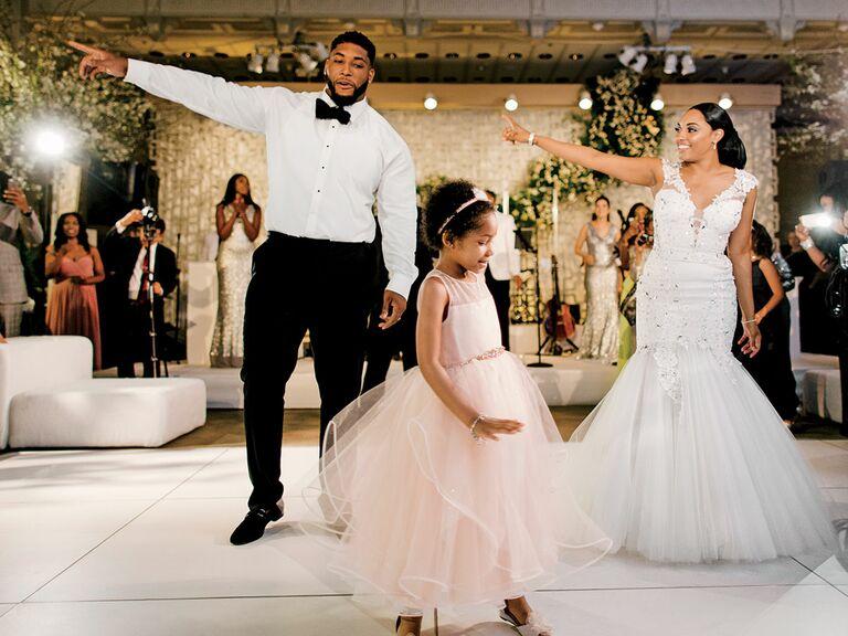 The Knot Dream Wedding 2016 first dance