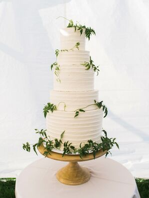 Vine-Accented Buttercream Cake