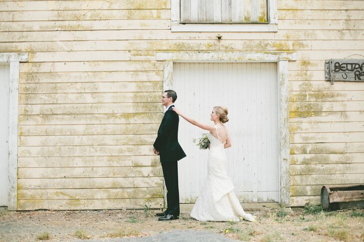 Molly Novy (28 and an attorney) and Patrick Hutter (28 and an auditor) planned an intimate destination affair in Glen Ellen, Calif. for their late sum