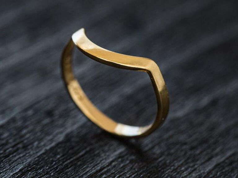 curved modern gold wedding ring