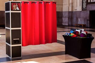 Kansas City Photo Booth Rentals & Photo Wall
