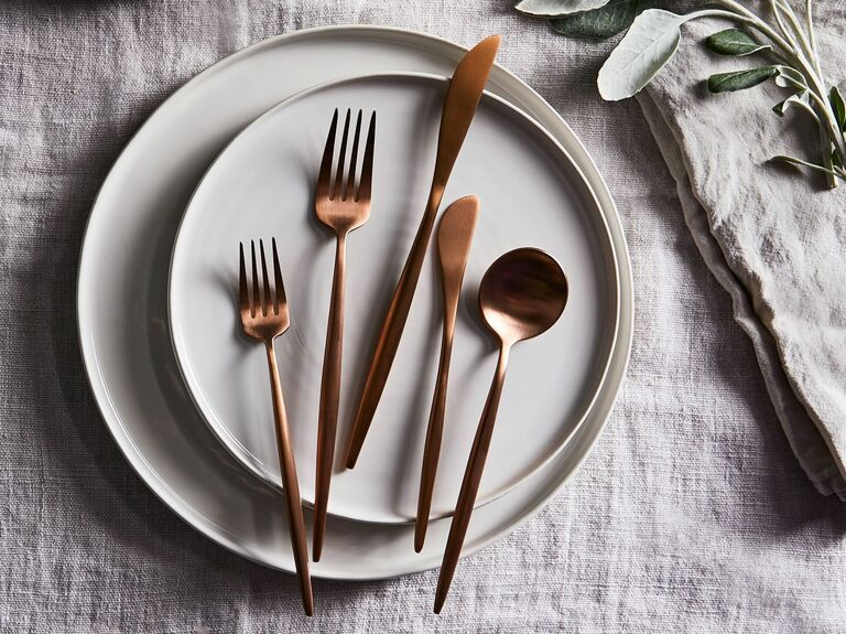 Rose gold 5-piece cutlery set for fifth anniversary