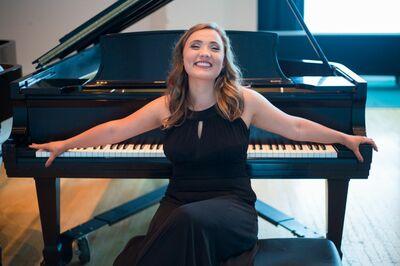 Daisy Schoen Music