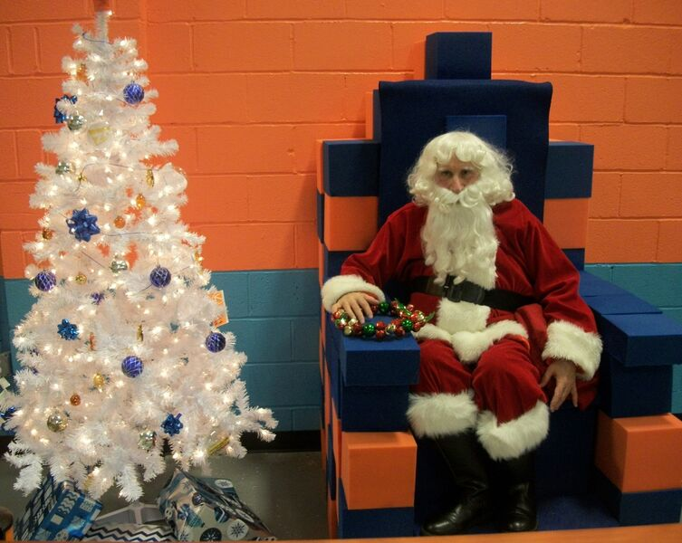 Santa at Sky Zone, Columbia