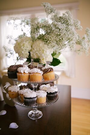 Vanilla and Chocolate Cupcakes with Floral Accents