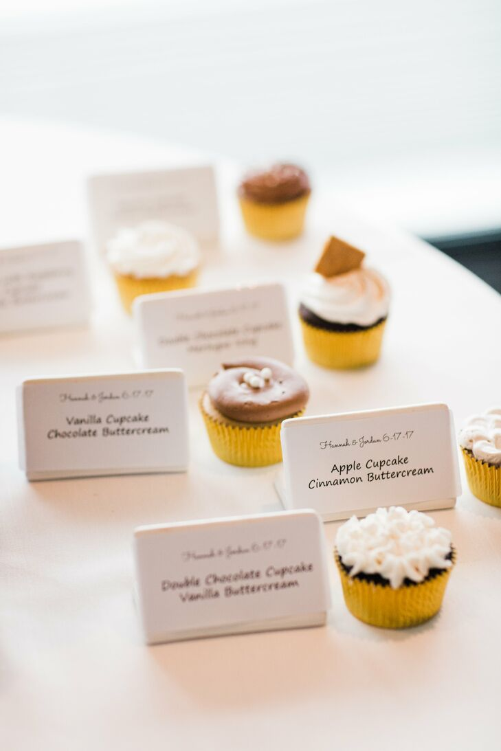 Hannah and Jordan provided an easy-to-understand guide to the Wedding Cake Connection cupcakes in the cupcake tower.