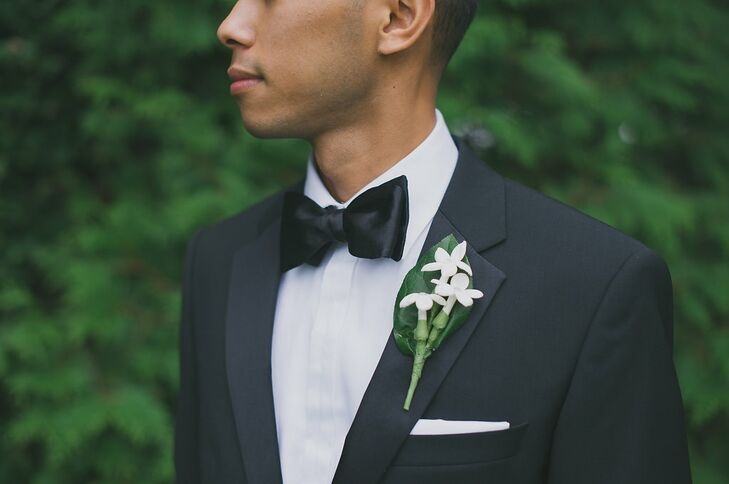 2ed34b6bb12 Daryl and his groomsmen all wore classic black tuxedos that popped against  white shirts. The