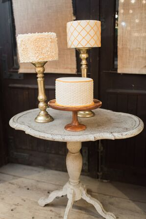 Round-Single Tier Cakes on Vintage Stone Cake Table