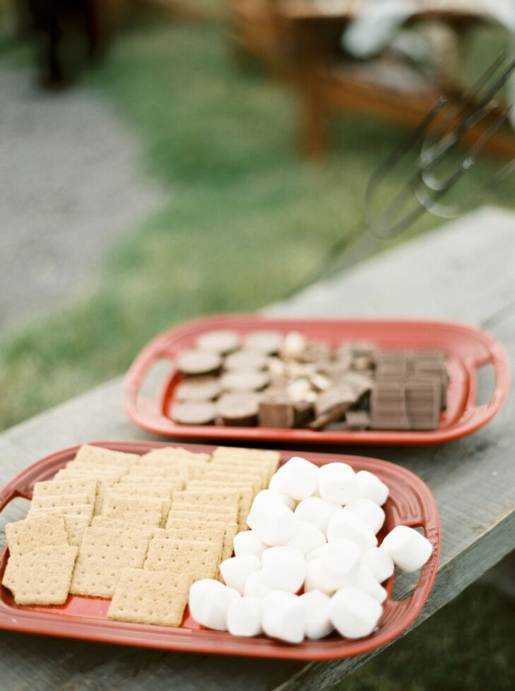 After the ceremony, Sarah and George's family enjoyed s'mores and cocktails by an open fire nearby.