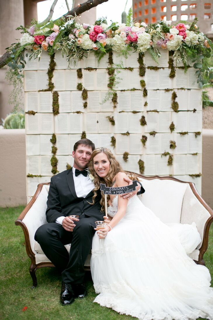 Nestled between giant Arizona boulders is a romantic oasis called Promise Rock. Amanda Parker (27 and an executive director of a nonprofit) and Josh W