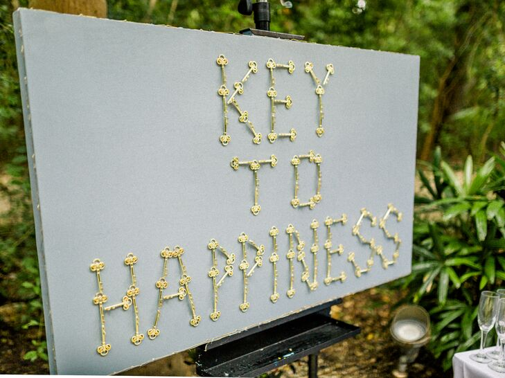 DIY Escort Card Display Made of Keys