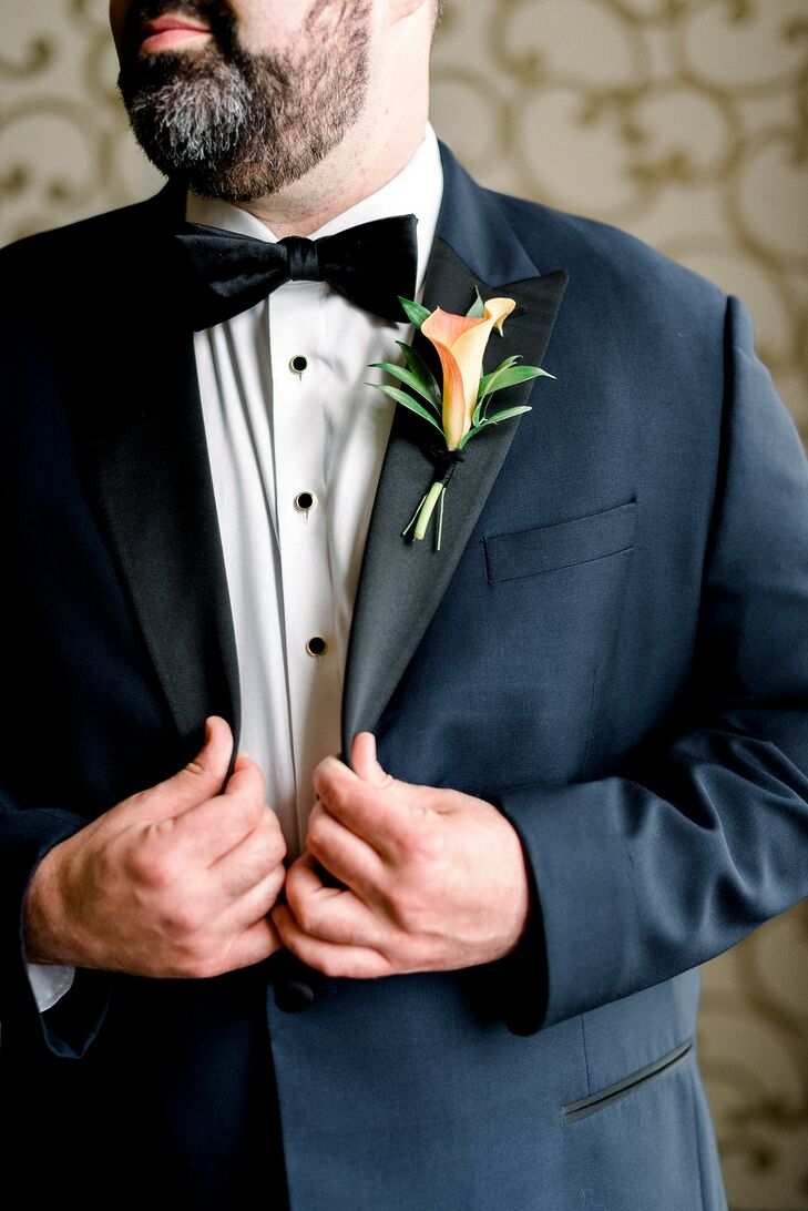 Midnight Blue Tuxedo with Black Lapels and Calla Lily Boutonniere
