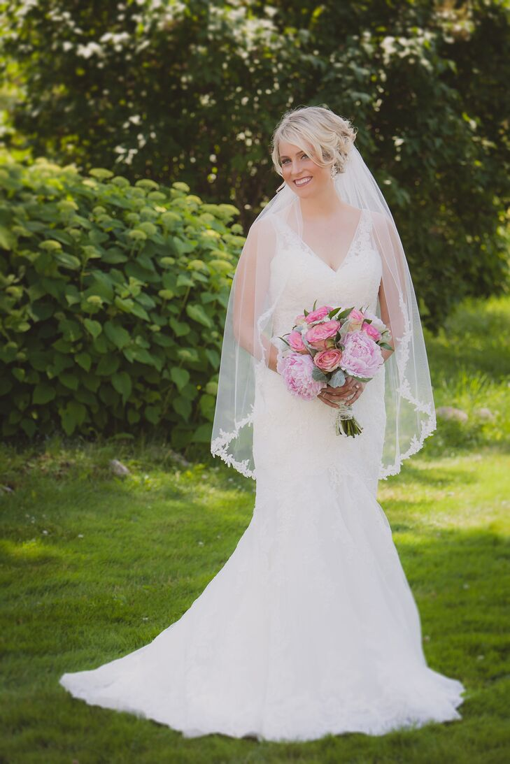 Lace Fit-and-Flare Wedding Dress With Fingertip-Length Veil