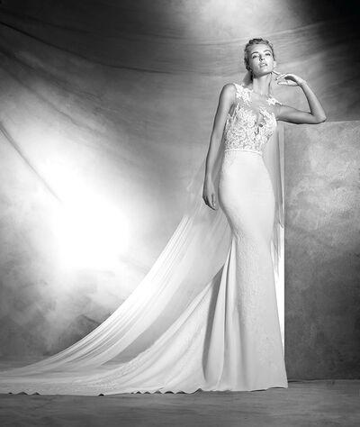 J Del Olmo Bridal Gallery & Couture