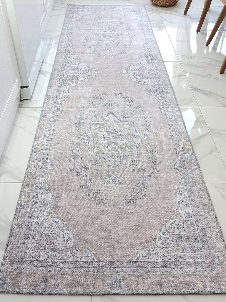 Backyard wedding ideas rug aisle runner