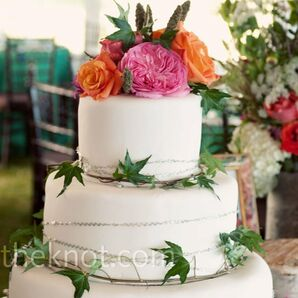 Ivy-wrapped White Cake