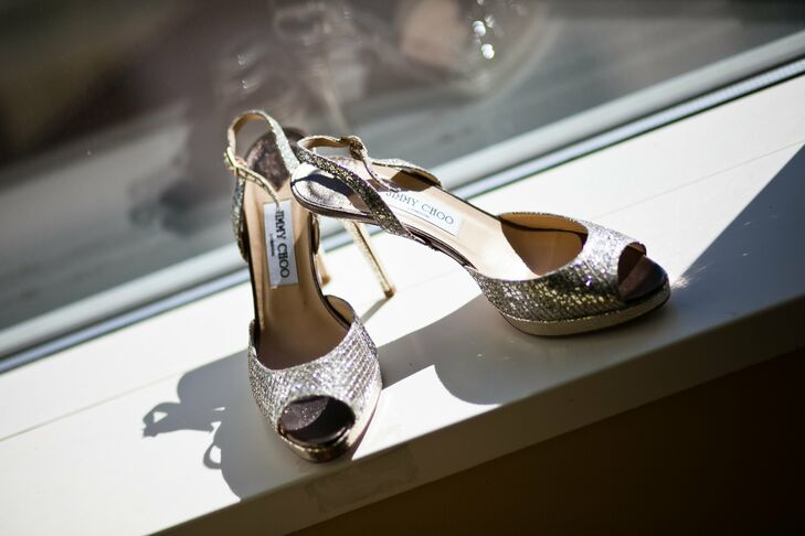 Kate wanted to wear something with sparkle to accent the belt on her dress, so she chose silver Jimmy Choo slingbacks.